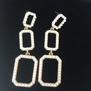 Jewelry - Gold-tone Gradient Square drop pearl earrings
